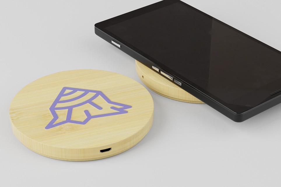 Qi trådløs mobiloplader i bambus